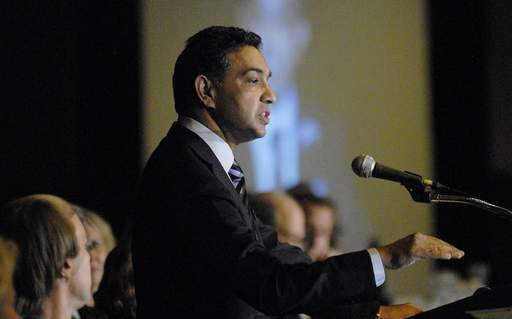 Sanjay Jha, co-CEO of Motorola speaks at the Executive's Club of Chicago Technology Conference in Chicago on Wednesday.