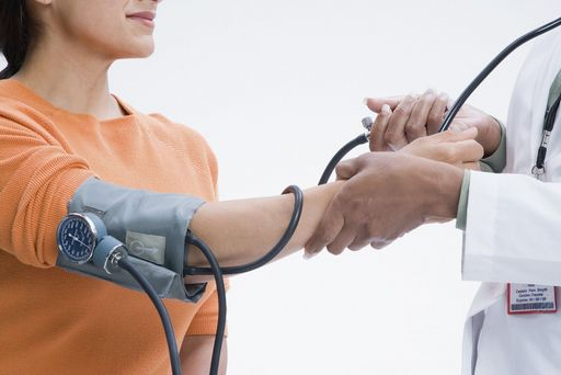 Hypertension patients do better if they manage their blood pressure with at-home monitoring combined with online consultations with a pharmacist, a new study shows.